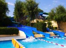 在Illa幻想曲水公园的水滑道 免版税库存图片