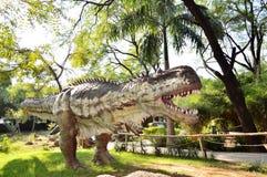 在Indroda公园,甘地讷格尔的恐龙雕象 免版税图库摄影
