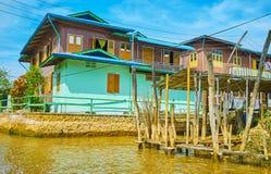 在Inle湖,缅甸的大厦 库存照片
