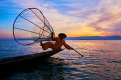 在Inle湖,缅甸的日落吸引力 图库摄影