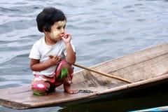 在Inle湖,缅甸的生活。 免版税图库摄影