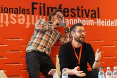 在Internationales Filmfestival曼海姆海得尔堡的Miha Knific主任前面2017年 库存照片
