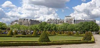 在Invalides附近议院的大道  这个地方被参观  免版税库存图片