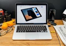 在ipad赞成ios 11的WWDC最新的公告的苹果电脑 免版税库存图片