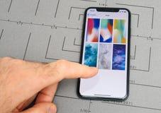 在iPhone x的设定10个app活应用软件的墙纸 免版税库存图片