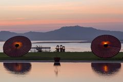 在Irrawaddy或伊洛瓦底江的看法从在日落的Bagan 免版税库存图片