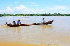 在Irrawaddy河,曼德勒,缅甸的小船 免版税库存照片