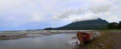 在isla ometeppe的Vulcano maderas 免版税图库摄影