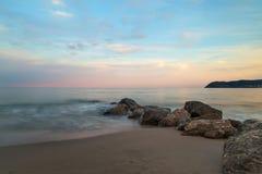 在Itay海滩的日落  库存照片