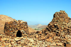 在Jabal西部的Misht的古老蜂箱坟茔 库存图片