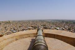 在Jaisalmer堡垒垒的佳能 免版税库存照片