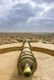 在Jaisalmer堡垒,拉贾斯坦,印度的大炮点 免版税图库摄影