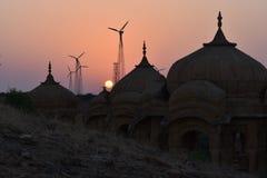 在jaisalmer拉贾斯坦印度的现代风车 库存图片