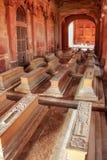 在Jama Masjid里面的坟茔在法泰赫普尔西克里,北方邦,印度 库存照片