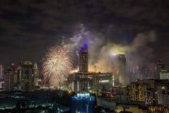 在January1,2018的超级声波烟花庆祝展示在CentralWorld广场的曼谷读秒2018年, Ratchaprasong Intersec期间 免版税库存图片