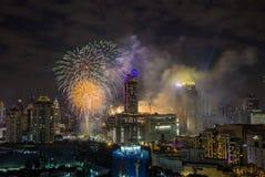 在January1,2018的超级声波烟花庆祝展示在CentralWorld广场的曼谷读秒2018年, Ratchaprasong Intersec期间 库存照片