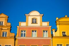 在Jelenia Gora大广场的大厦 免版税图库摄影