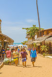 在Jericoacoara巴西的拥挤沙子街道 免版税库存照片
