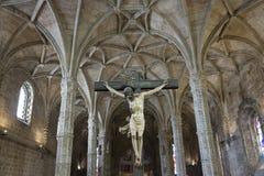 在Jeronimos修道院里面的基督耶稣受难象 免版税库存照片