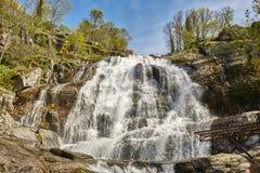 在Jerte谷的瀑布 Caozo地区 caceres西班牙 库存照片