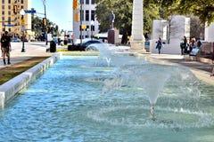 在JFK刺杀纪念达拉斯, TX Pic 1的三倍喷泉 库存图片