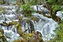在jiuzhai谷,瓷的瀑布 库存照片