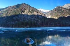 在Jiuzhaigou的冬天风景 免版税库存照片