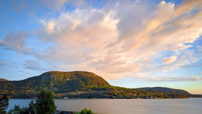 在Jorpeland,挪威的沿海 免版税库存照片