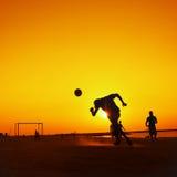 在Jumeira海滩的橄榄球在迪拜 库存图片