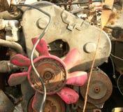 在junked车的引擎 免版税库存照片