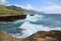 在Kaena点SP的剧烈的波浪 库存图片