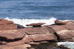 在Kalbarri坚固性海岸线西澳州的蘑菇岩石 免版税库存图片