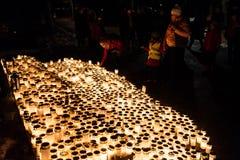 在Kalevankangas公墓的万圣节蜡烛 库存图片