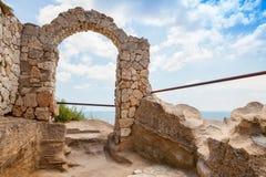 在Kaliakra陆岬的,保加利亚黑色S堡垒成拱形 免版税库存图片
