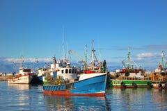 在Kalk海湾港口的渔船 免版税库存照片