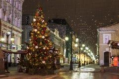 在Kamergersky车道,莫斯科的圣诞树, 库存图片