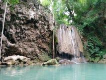 在kanchanaburi,泰国的爱侣湾瀑布 免版税库存图片