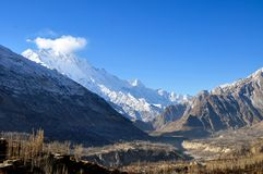 在karakorum山的一个峰顶 免版税库存照片