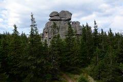 在Karkonosze山的Pielgrzymy岩石 免版税库存图片