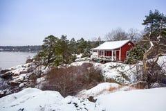 在Karlshamn附近的波罗的海海岸在冬天 免版税图库摄影