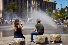 在Karlsplatz的夏天天气在慕尼黑 图库摄影