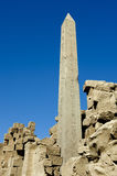 在Karnak寺庙的方尖碑 免版税库存照片