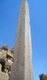 在Karnak寺庙的方尖碑 免版税图库摄影