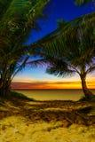 在Karon海滩普吉岛的日落 图库摄影
