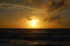 在Karon海滩的日落 库存图片