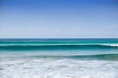 在Karon海滩附近的安达曼海在普吉岛海岛上 免版税库存图片