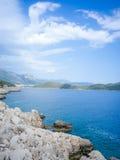 在Kas,土耳其的爱琴海入口 免版税库存照片