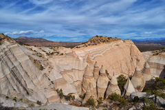 在Kasha Katuwe帐篷岩石的惊人的看法 免版税库存照片
