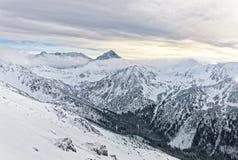 在Kasprowy Wierch的云彩在扎科帕内在Tatra在胜利登上 图库摄影