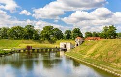 在Kastellet附近的运河,一个堡垒在哥本哈根 免版税库存图片